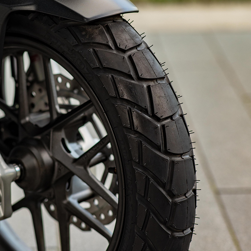 Wide Tire with Semi Dual Purpose Pattern